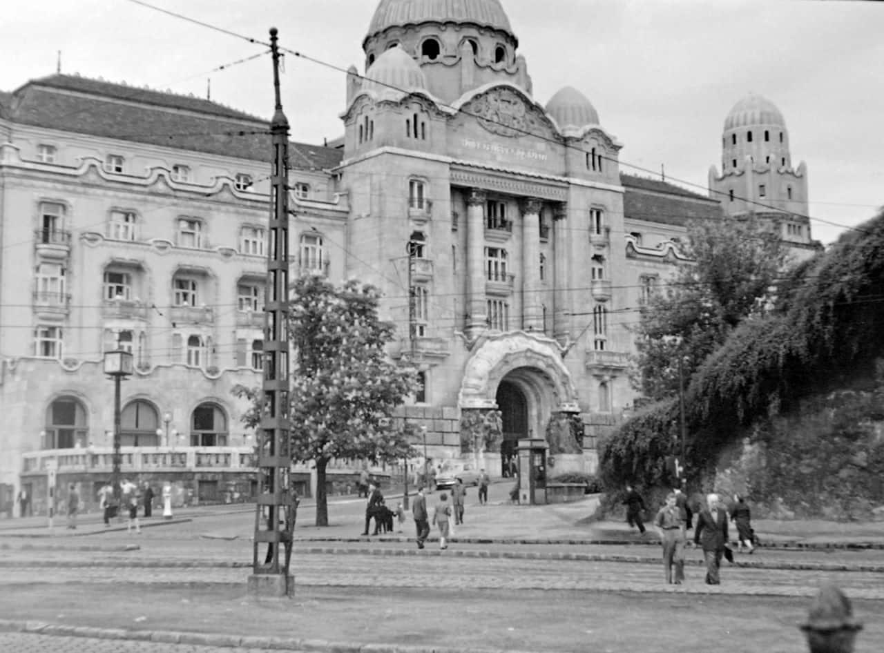 Ambassador-Club-Budapest-Szent-Gellert-ter-anno-min