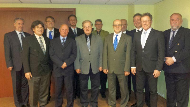 Ambassador Club Pécs - teljes pécsi tagság 2014-01-08