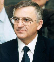 prof. dr. Lénárd László akadémikus, egyetemi tanár
